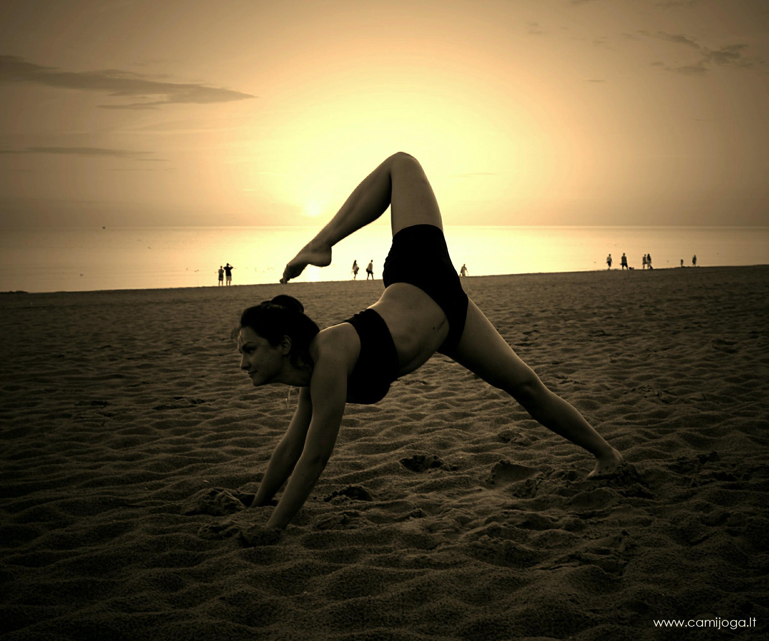 Šokio joga atskrieja su nauju sezonu ir naujais potyriais!