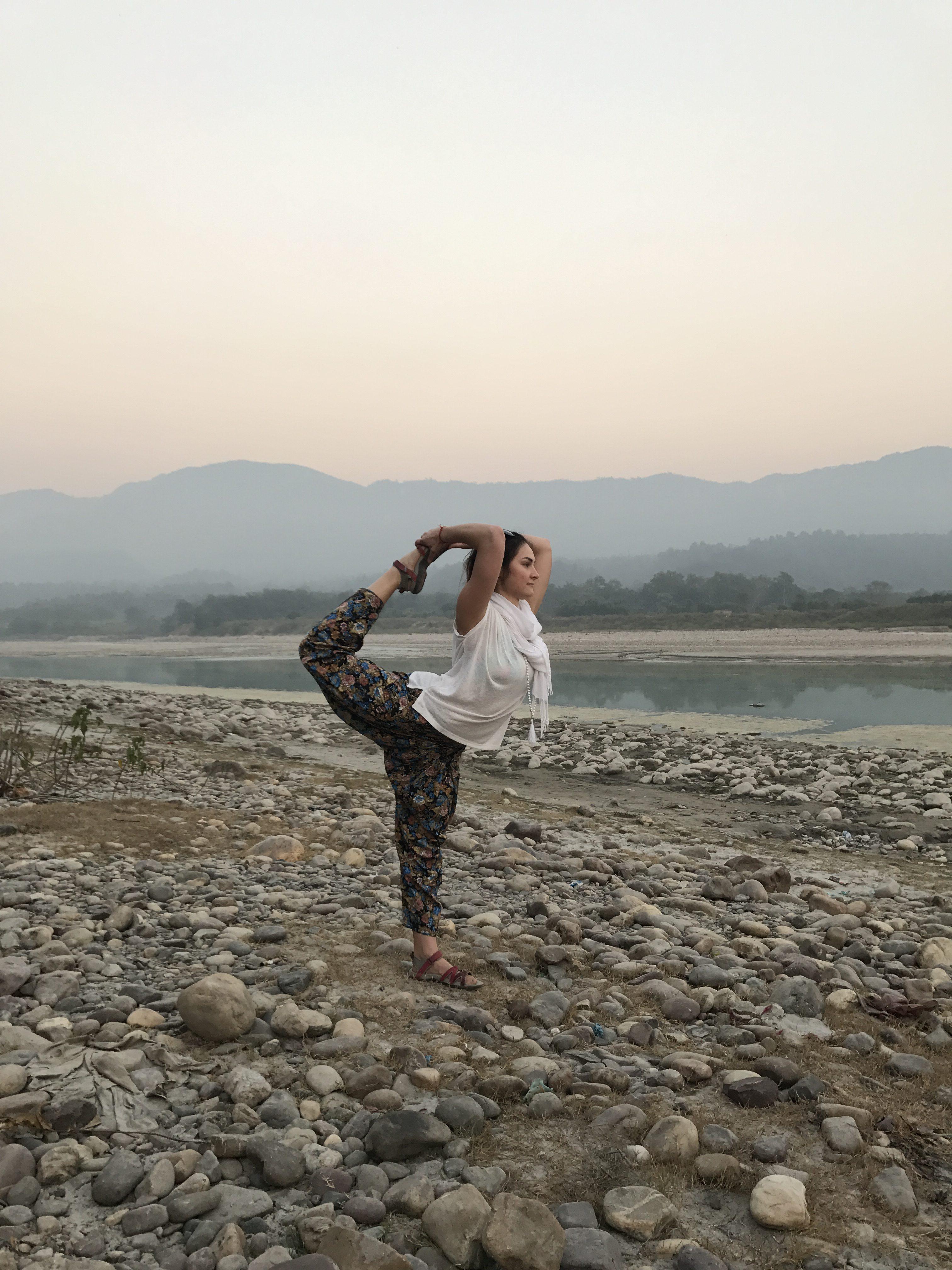 Life + Yoga = Unity & Peace 😊✌️️☀️ (Indija)