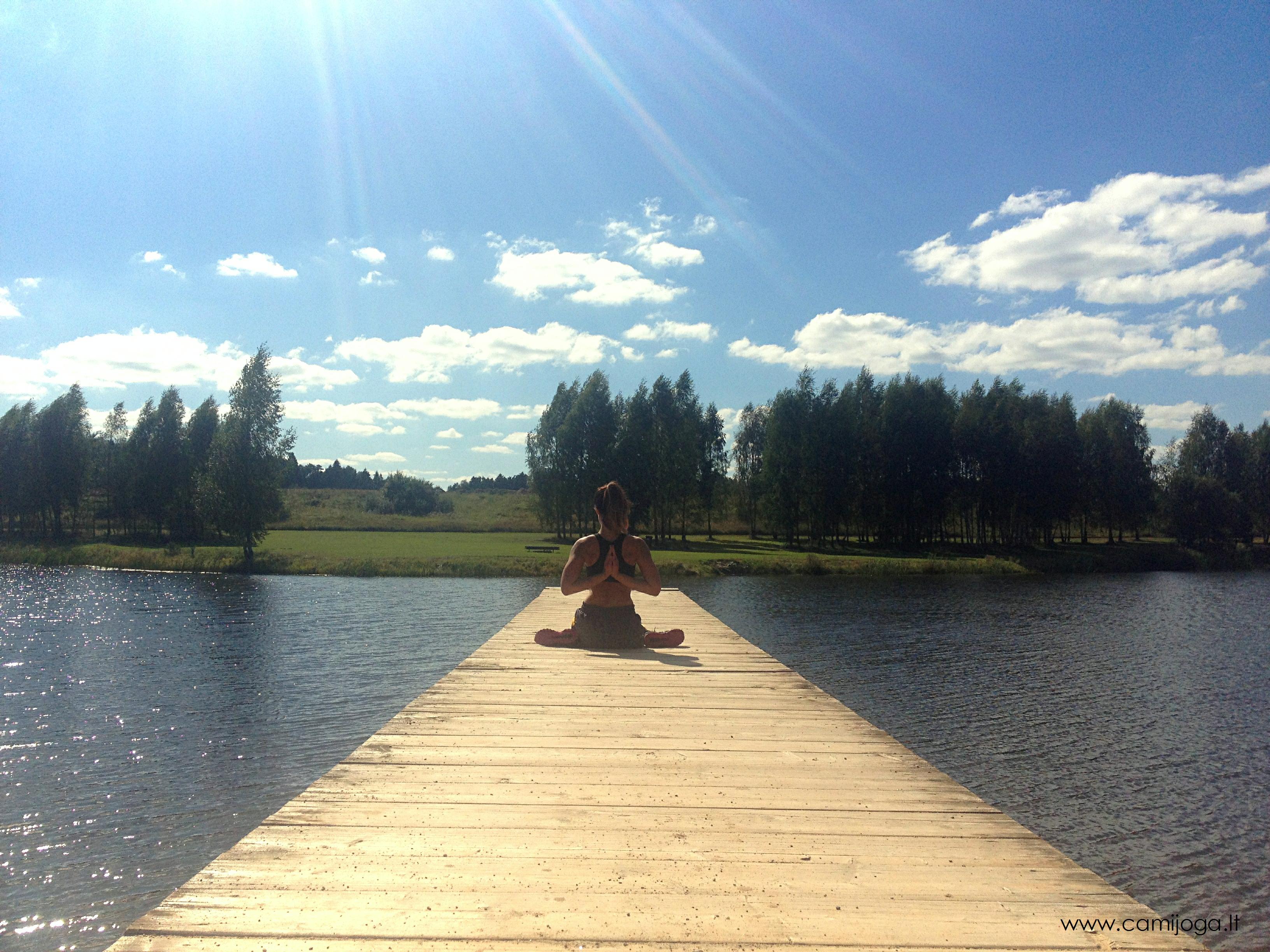 Prisimenant vasarą su joga :)