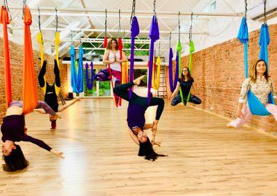 CamiYoga aerial yoga oro joga bendra