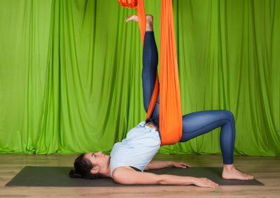 Yin oro joga atpalaiduojanti kursai aerial yoga camiyoga camille shakti3