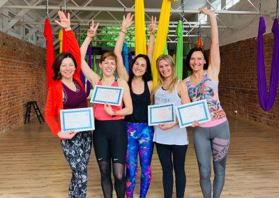#2 CamiYoga oro jogos Level 2-3 mokytojų kursai aerial yoga teacher training